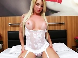 Hot latina shemale Carol Penelope knows how to ride a dick
