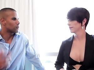 Black dude sucks transsexual cock